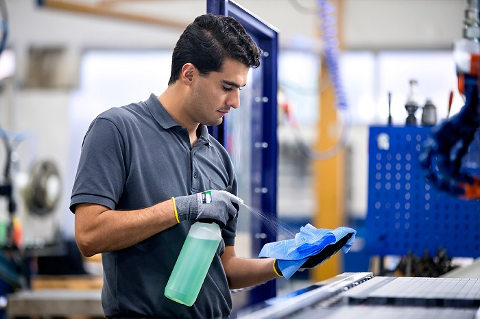 Tork dostawca profesjonalnych rozwiązań do utrzymania higieny_automotive_production_support