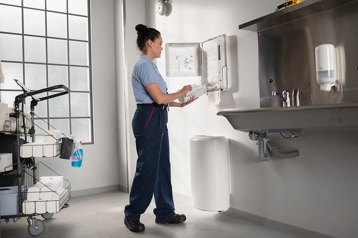 Tork dostawca profesjonalnych rozwiązań do utrzymania higieny_automotive_production_support 4