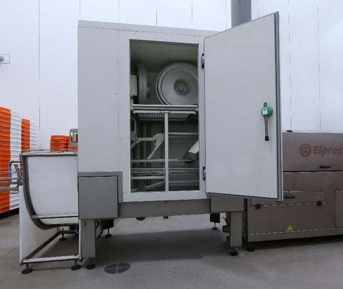 elpress 4 zużycie mediów w procesie mycia opakowań transportowych_automotive_production_support