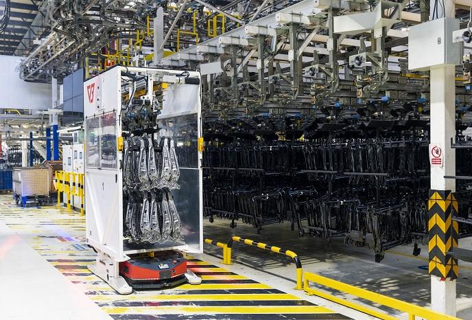 Faurecia Frames w Wałbrzychu powiększa flotę autonomicznych robotów transportowych_Automotive_Production_Support